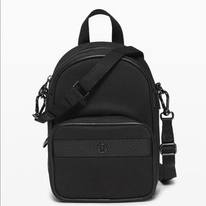 NWT Lululemon mini crossbody/backpack in all black